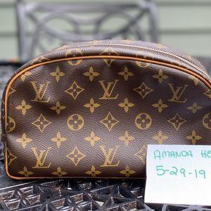 Louis Vuitton Toiltery 25 monogram